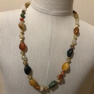 Jewelry - Beautiful vintage natural stone necklace.